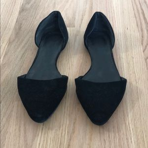 Shoes - LIGHTLY WORN Black Flat Shoes